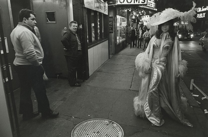 Roswell Angier, Melanie, Outside the Two O'Clock Club, Boston 1975, Vintage gelatin silver print